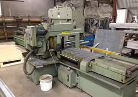 Self Feeding Band Saw